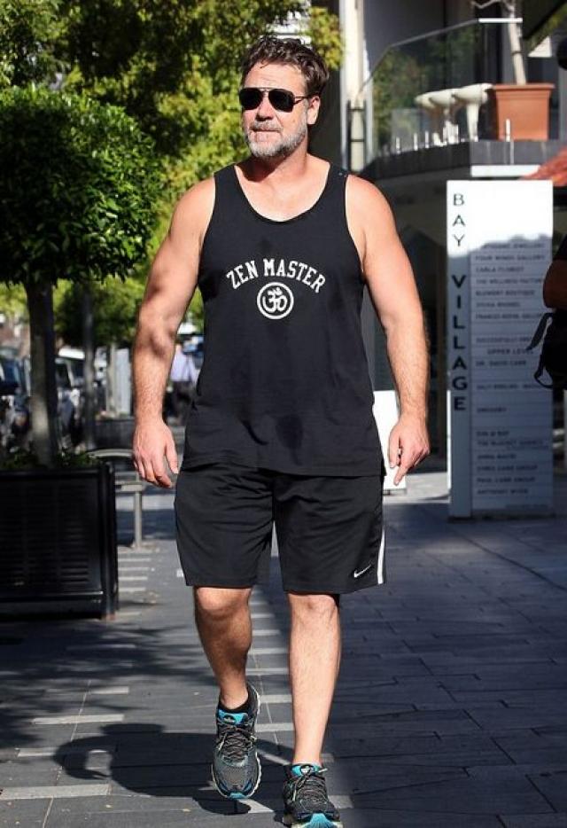 Чтобы вновь вернуть атлетическую форму актеру приходилось проходить десятки миль в день и заняться бодибилдингом, что ему давалось отнюдь нелегко.