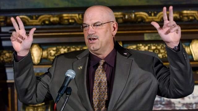 Джесси Вентура, 67 лет, США. Профессиональный рестлер и 38-й губернатор Миннесоты.