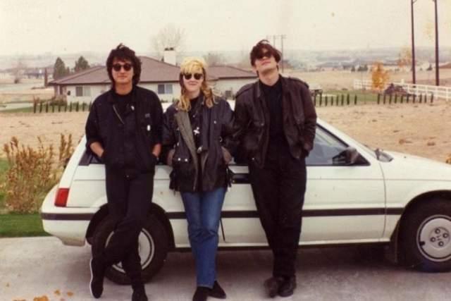 Виктор Цой во время поездки в США под руководством Джоанны Стингрей в 1989 году.