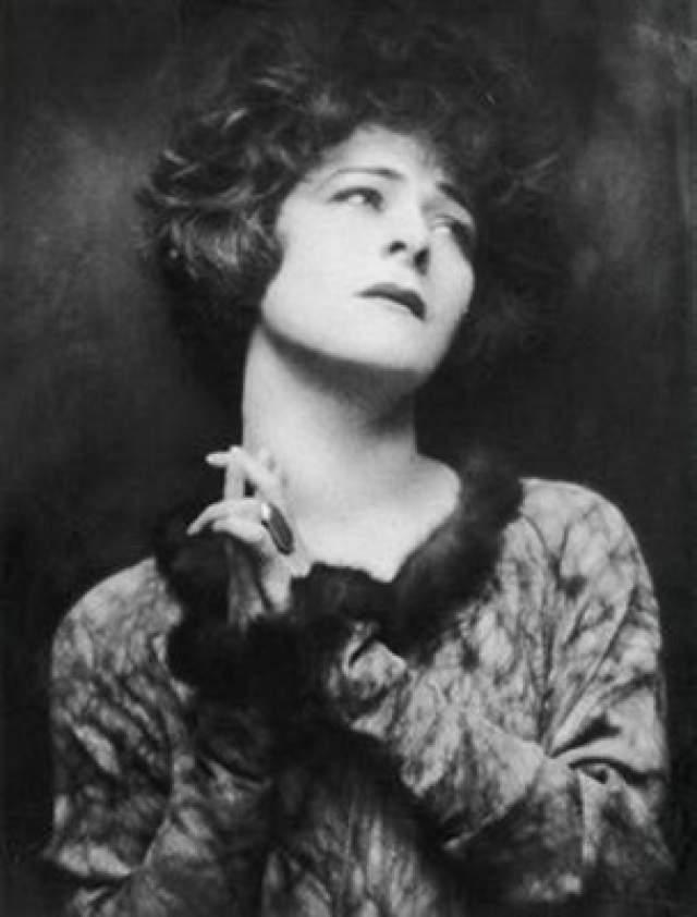Аделаида Яковлевна Левентон (настоящее имя актрисы) родилась в 1879 году в Ялте в Российской империи. Успех на актерском поприще пришёл к Назимовой достаточно рано — к 24 годам она уже была звездой в Москве и Санкт-Петербурге, ездила на гастроли за границу.