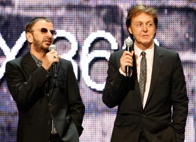 """Ринго Старр, 77 лет. Много лет назал ходила легенда о смерти одного из участников группы The Beatles, более привычная под названием """"Пол мертв"""", вновь напомнила о себе."""