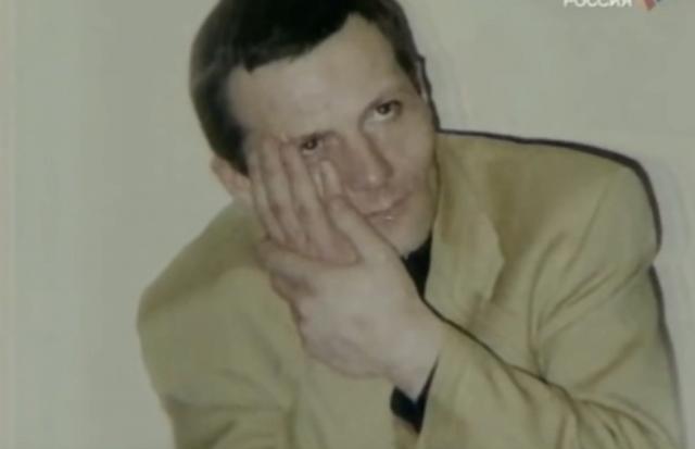 Убили Шевкуненко в ходе криминальных разборок 11 февраля 1995 года в квартире его матери на улице Пудовкина. Кстати, стоит отметить, что Шевкуненко проходил свидетелем по делу об убийстве знаменитой актриса и друга их семьи Зои Федоровой.