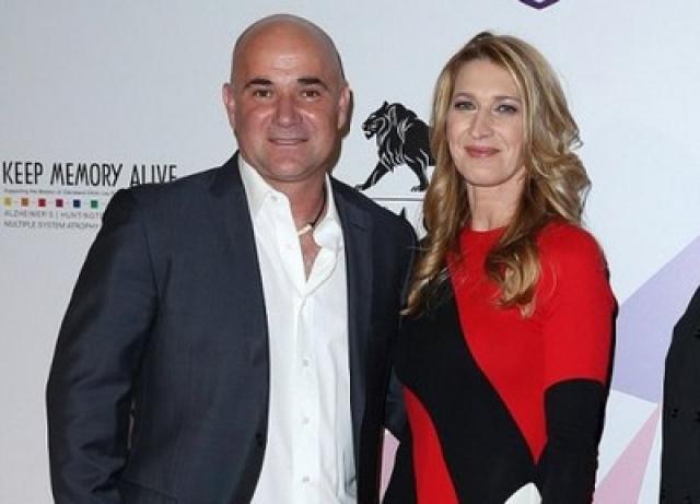 Проживает в Лас-Вегасе со своей семьей — мужем, известным теннисистом Андре Агасси, и двумя детьми. Штеффи часто приглашают в качестве почетного гостя на важные теннисные соревнования.