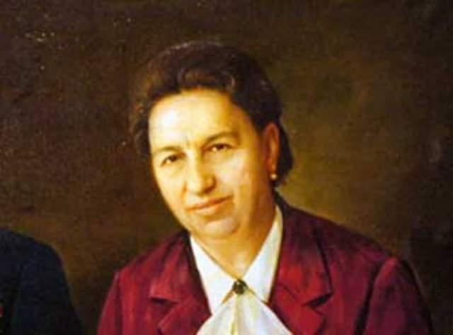 Когда ее муж активно занялся государственной деятельностью, она не изменила привычного образа жизни. Виктория Петровна была далека от политики и равнодушна к ней. Более того: только когда вышла книга воспоминаний Брежнева, советский народ наконец узнал, как зовут его жену.