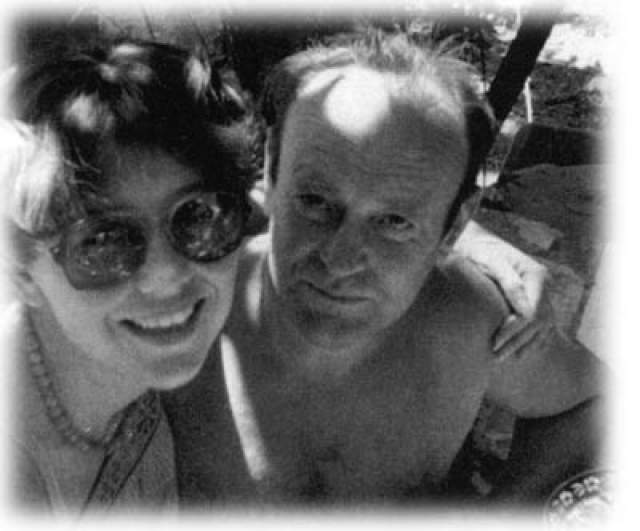 Во время одной из командировок в США он познакомился с израильскими литераторами Александром и Ниной Воронель, у которых гостил в Израиле, где познакомился с Еленой Генделевой, ставшей его женой. После свадьбы Вячеслав поселился в Израиле и устроился в Хайфский океанографический институт.