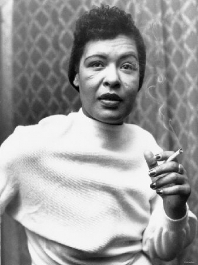 Последние годы жизни звезды джаза были омрачены пристрастием к наркотикам, а также тем, что она находилась под надзором полиции. Билли Холидей скончалась в Нью-Йорке 17 июля 1959 года в возрасте 44 лет.