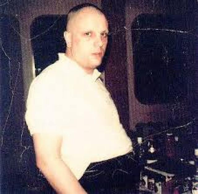 Баррет отказался от лечения, а когда в 1975 году навестил коллег в студии, те не смогли его узнать: он полностью сбрил волосы и брови, при этом сильно располнев. Сид скончался в полном одиночестве в 2006.