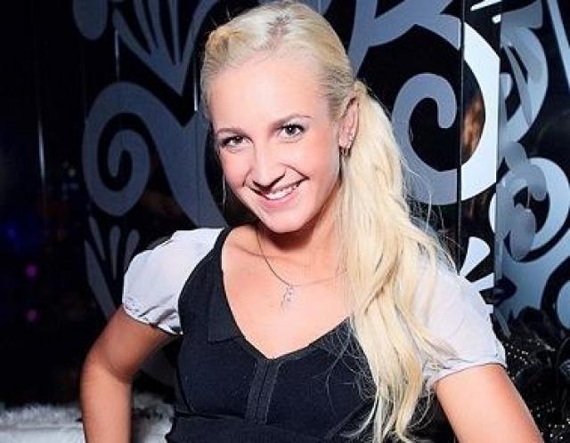 Школу Ольга окончила с серебряной медалью, после чего настал черед Санкт-Петербургского университета и специальности География и геоэкология, который она также окончила с красным дипломом.