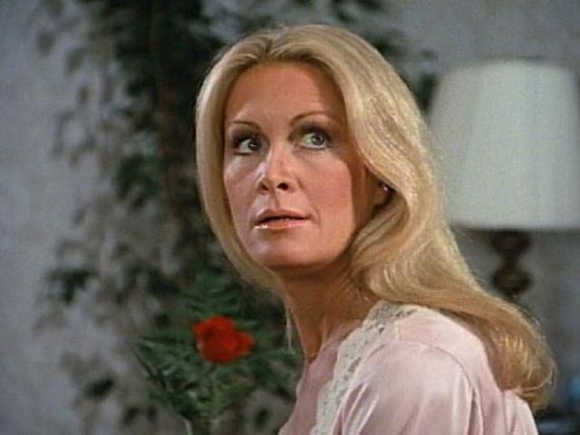 Джоан Ван Арк. Актриса была звездой мыльных опер на протяжении многих лет. В один прекрасный момент Джоан испугалась старения и решила дать ему бой.
