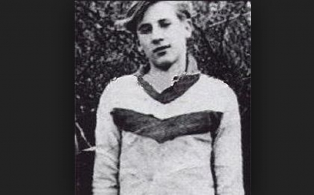 Жерар Депардье. В начале 60-х юный француз начал заниматься боксом на американской военной базе, которая размещалась в его родном городе.