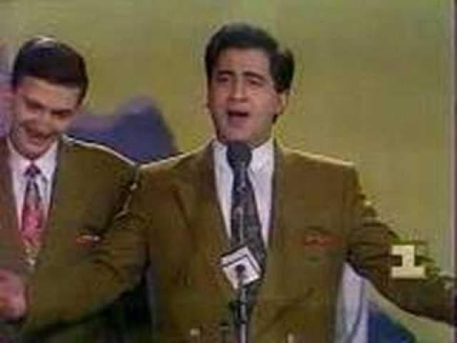 """Марк Сагателян, 1971-2013. Армянский комик прославился в 1992 году, будучи участником команды КВН """"ЕрМи"""" - они тогда выиграли в Высшей лиге. Спустя два года коллектив повторил свой успех, и юморист начал выступать больше в роли ведущего и автора монологов для других артистов."""