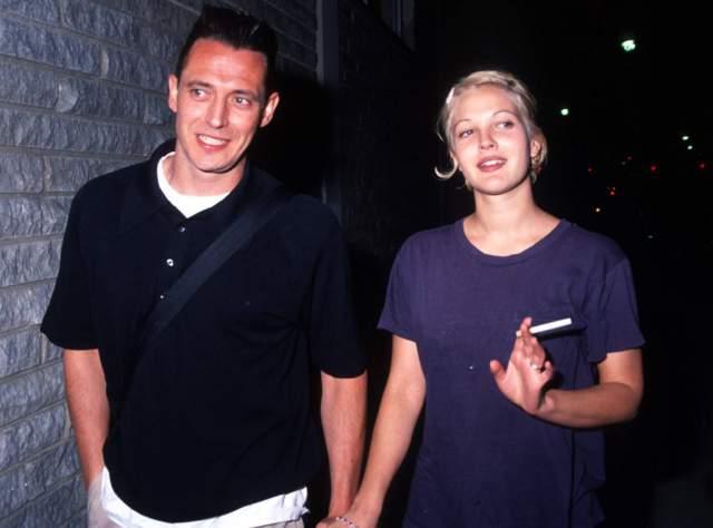 Дрю Бэрримор и Джереми Томас. В 1994 году молодая актриса связала себя узами брака с ресторатором