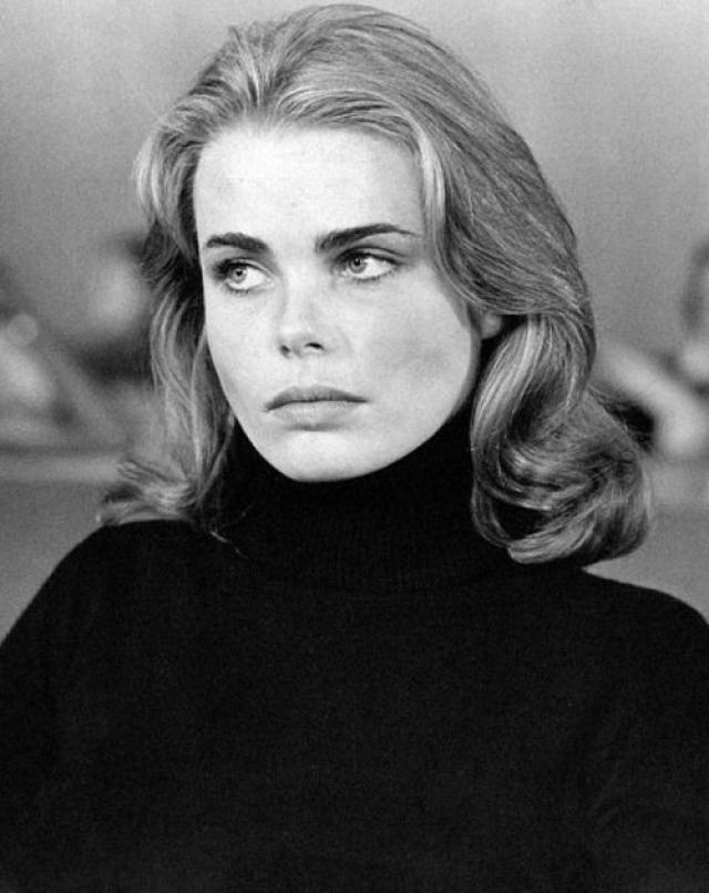 Марго стала успешной моделью и первой в мире подписала миллионный контракт на съемки. Она появлялась на обложках журналов Vogue, Elle, Cosmopolitan, Harper's Bazaar, а также Time.