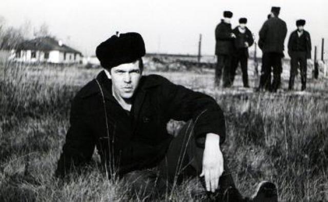 5 октября 1984 года Новикова арестовали, а в 1985 году осудили на 10 лет. Официальным обвинением была деятельность по изготовлению и сбыту электромузыкальной аппаратуры-фальсификата.