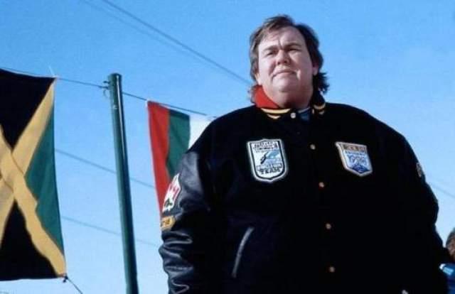 Джон Кэнди. Умер во сне в the Camino del Perque Villas. Канадский комедиант в возрасте 43 лет скончался от инфаркта в номере №120 отеля в Мексике, где проходили съемки нового фильма с участием актера.