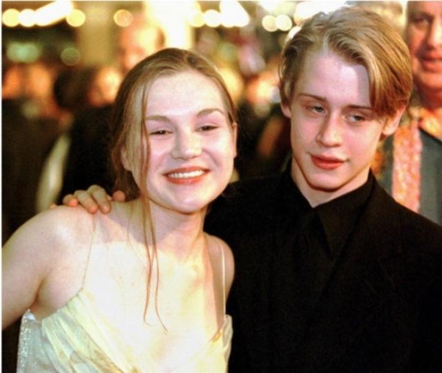 Маколей Калкин. Актер женился на своей подружке Рэйчел Майнер, когда ему было всего 17.