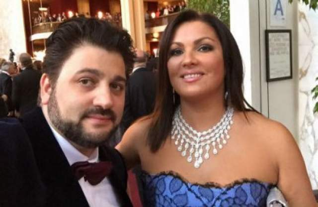 """Когда Нетребко получила приглашение солировать в опере """"Манон Леско"""", то не горела желанием получить эту работу, но когда увидела своего партнера Юсифа сразу же поменяла свое мнение."""