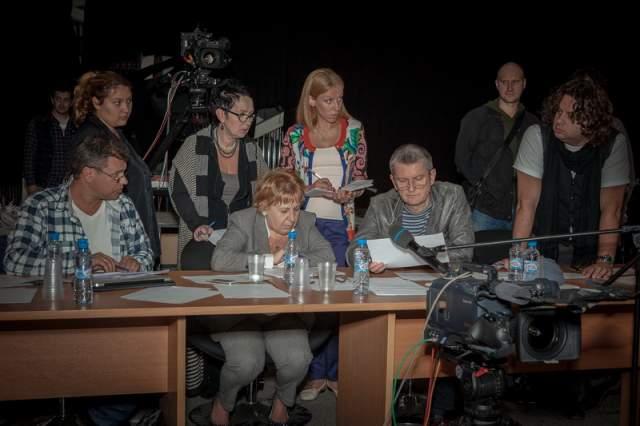 Музыкальный редактор проекта, Евгений Орлов, в одном из интервью рассказал, что для того, чтобы попасть на проект недостаточно быть просто хорошо поющим человеком.