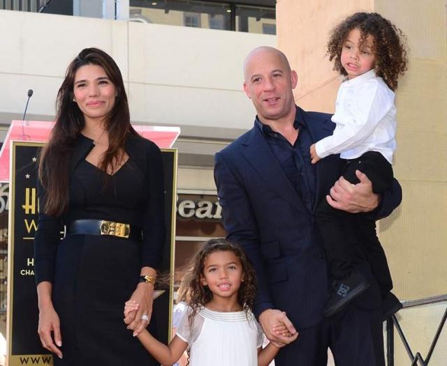 Вин Дизель познакомился с фотомоделью Паломой Хименес в 2006 году. У пары уже трое детей.