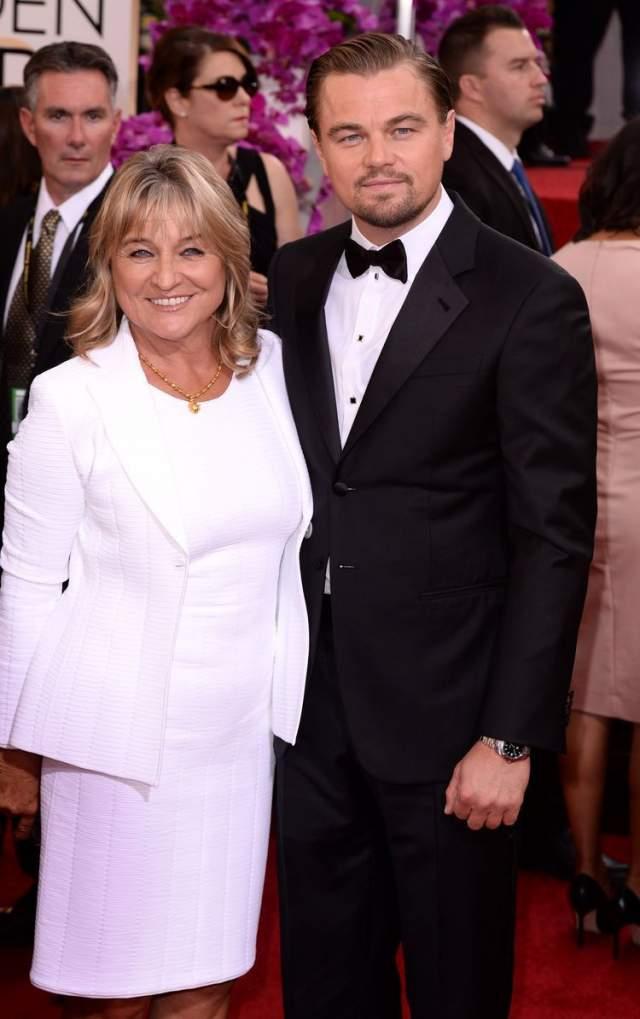 """Леонардо Ди Каприо и мама Ирмелин Инденбиркен.Для обладателя """"Оскара"""" его мама - единственный кумир и идеал союзницы. Все его девушки, так или иначе, были похожи на его мать. Но, вероятно, недостаточно: ведь до сих пор Лео ни разу за 43 года не был женат."""