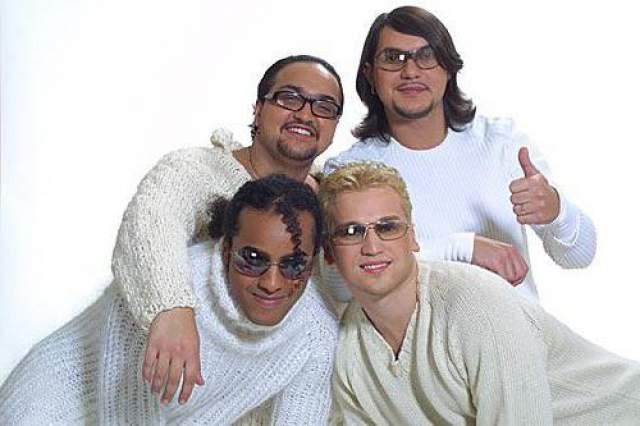 Премьер-министр. Российская поп-группа, образованная в 1997 году, в золотые времена включала в себя Вячеслава Бодолику, Питера Джейсона, Жана Григорьева-Милимерова и Дмитрия Ланского.