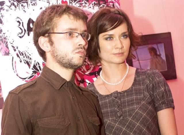 На съемках актер познакомился с Марией Машковой, дочерью режиссера и актера Владимира Машкова, и в 2006 году молодые сыграли свадьбу. Поговаривали, будто Машков-старший не был в восторге от выбора дочери, но они все равно были вместе - правда, недолго. В 2008 году пара рассталась из-за измены Семакина.