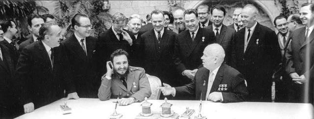 Никиту Хрущева перед визитом коллеги советские дипломаты и разведчики проинформировали о том, что переговоры с Фиделем Кастро обязательно выйдут за рамки обычного протокола.