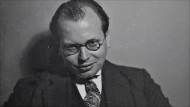 В начале политической карьеры Гитлера, как свидетеля, три часа жестко допрашивал адвокат еврейского происхождения Ганс Литтен. Во время правления нацистов адвоката арестовали, пытали в течение пяти лет, пока он не свел счеты с жизнью.