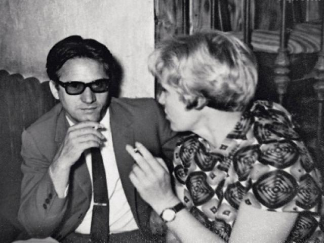 """Маркова познакомилась с испанцем-миллионером во время кинофестиваля в Сан-Себастьяне, где она презентовала фильм """"Бабье царство"""". Антонио сразу приметил актрису."""