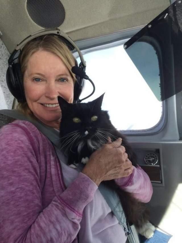 Лиза не отходила от мужа ни на минуту в течение всего периода болезни. Более того: даже доставляла Патрика на лечение самолетом (она была лицензированным пилотом).