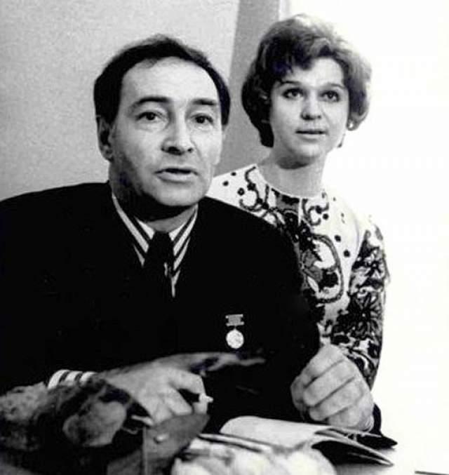 Вячеслав Тихонов со своей второй женой.