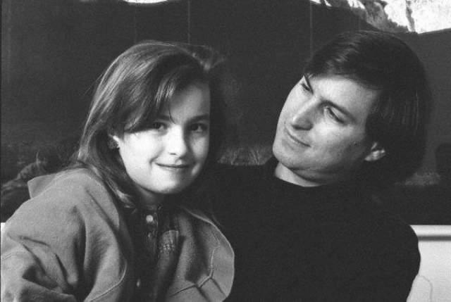 Стив Джобс. В 1978 году, до прихода его в инновационные технологии, подружка Джобса из старшей школы, Крис-Энн Бреннан, забеременела.