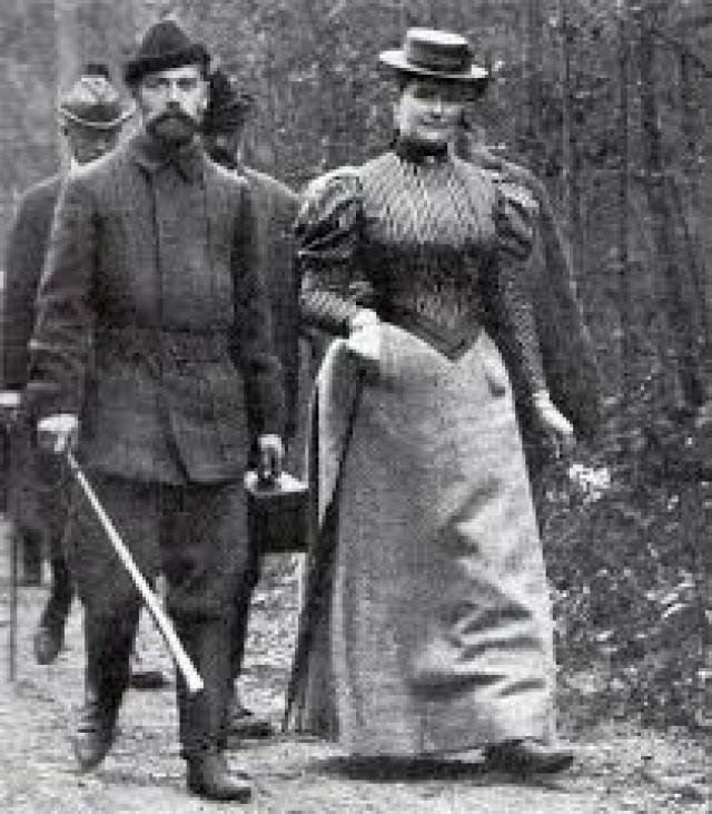 Спустя десятилетия совместной жизни императрица писала мужу, что целует его подушку, когда его нет рядом, а Николай после долгой разлуки стеснялся и краснел как юноша.