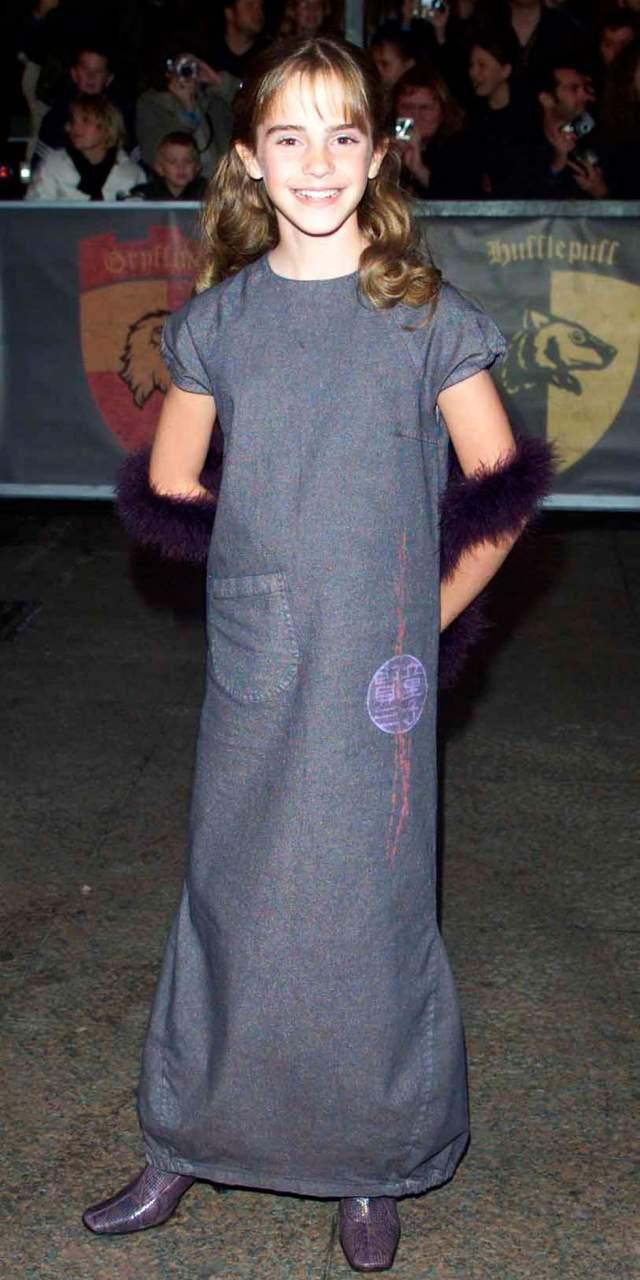 """Эмма Уотсон на премьере """"Гарри Поттер и философский камень"""" в 2001."""