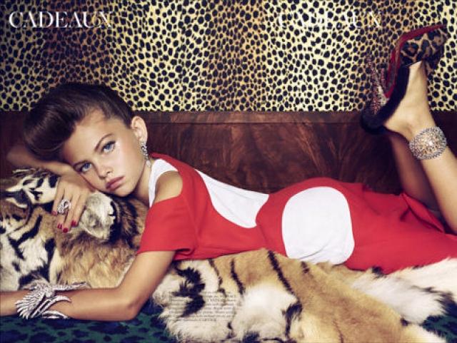Тилан Блондо. 10-летняя французская модель снялась в фотосессии для Vogue, где она примерила взрослые наряды и макияж.