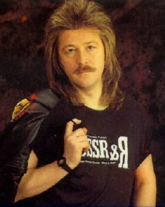 """Александр Кутиков, 66 лет. Бас-гитарист, вокалист, саундпродюсер и автор многих хитов """"МВ"""". Выступал в составе группы в 1971-1974 гг. и с 1979 года по настоящее время. Дважды уходил из коллектива."""