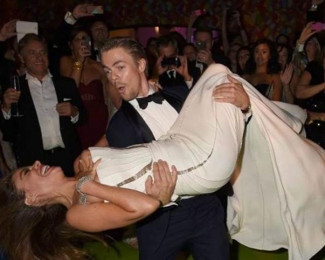 София Вергара. 42-летняя колумбийская актриса в порыве танца не смогла уследить за своим бюстом.