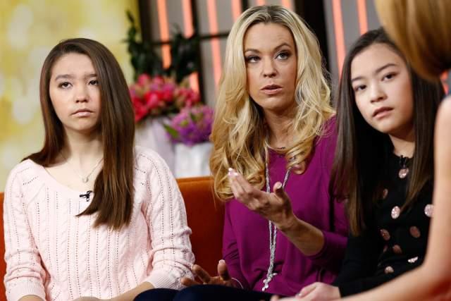 О том, что мать ведет себя таким образом сообщил ее сын Коллин, которого сразу же забрали соцслужащие.