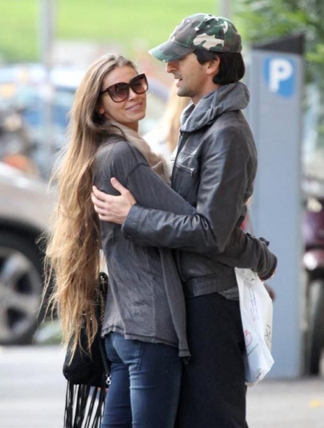 С 2012 года Броуди встречается с моделью русского происхождения Ларой Леито, но, видимо, наученный горьким опытом, к алтарю не спешит.