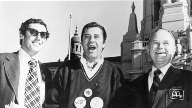 """""""У меня был диабет и артрит. Мне вырезали желчный пузырь и большую часть щитовидной железы. Но я верил в будущее"""", — рассказал Рэй Крок о прошлом до знакомства с братьями Макдональдами."""