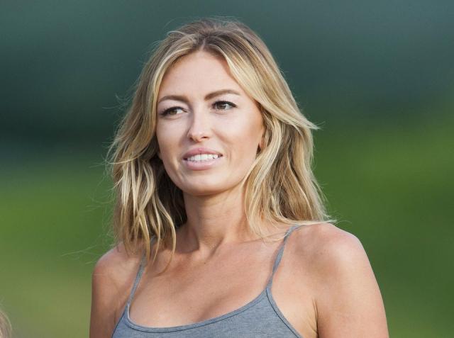 Модель Паулина Гретцки - дочь прославленного хоккеиста Уэйна Гретцки .
