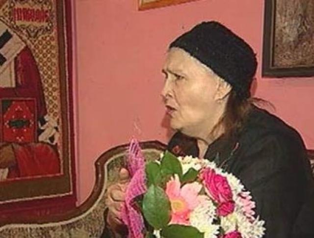 Несмотря на отсутствие работы, к Мордюковой часто приходили друзья и коллеги, предлагая финансовую помощь, но актриса не брала денег и жила только на пенсию.