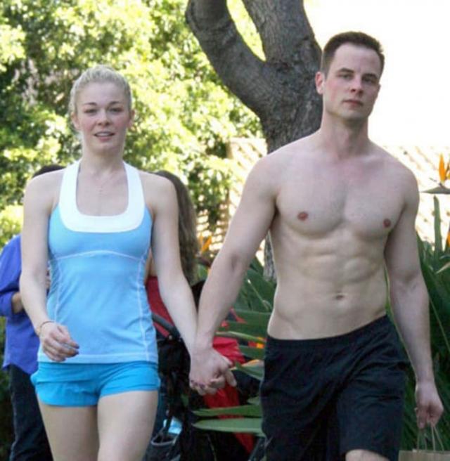 Дин Шеремет. Актер состоял в браке с певицей и актрисой Ли Энн Раймс, который, казалось бы, ничто не может омрачить.