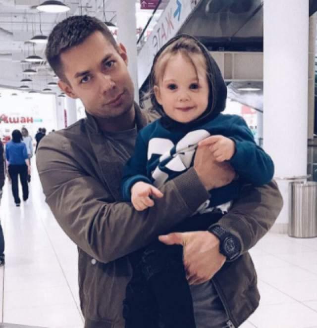 Кроме этого у певицы двое правнуков - Петр Пьеха (на фото) и Василиса Быстрова.