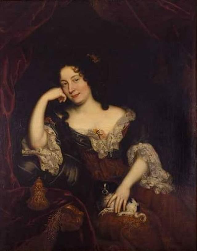 Но только благодаря маркизе де Ментенон, с которой они тайно сочетались браком, он бросил разгульную жизнь, сделался религиозным и сдержанным человеком. Она оставалась его единственной женщиной до самой смерти короля.