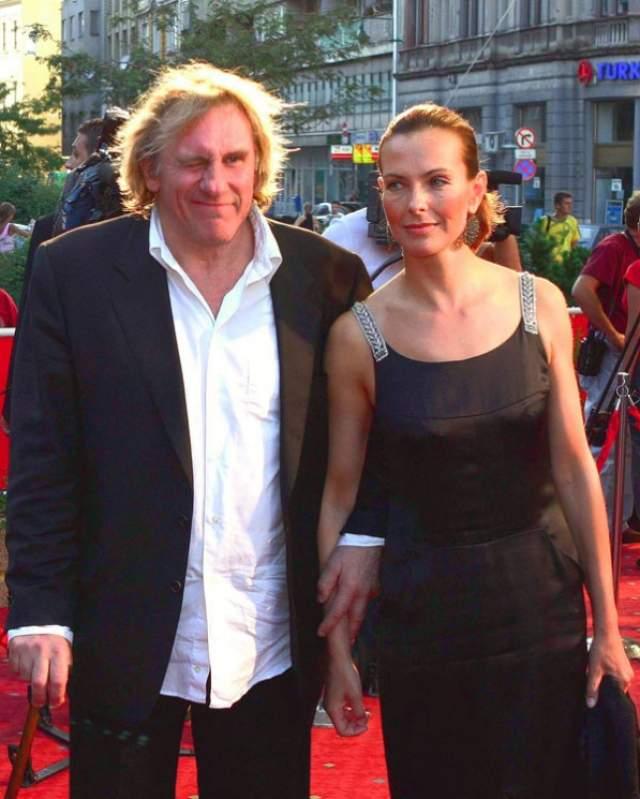 С Кароль Буке Депардье прожил с 1996 по 2005 год, при этом причиной их расставания стали именно измены актера.