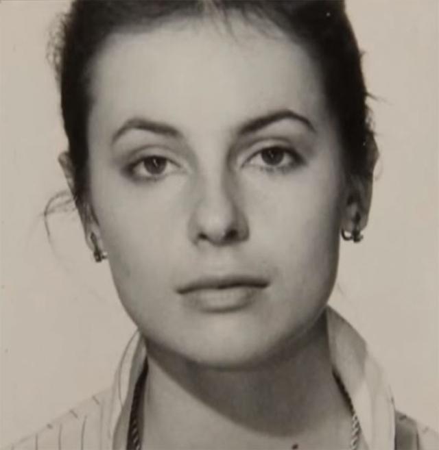 А вот на следующий за этим год Ирина сдала экзамены в Школу-студию МХАТ, где стала одной из самых заметных студенток на курсе Олега Табакова. После учебы работала во МХАТе, а потом возглавила собственное театральное агентство.