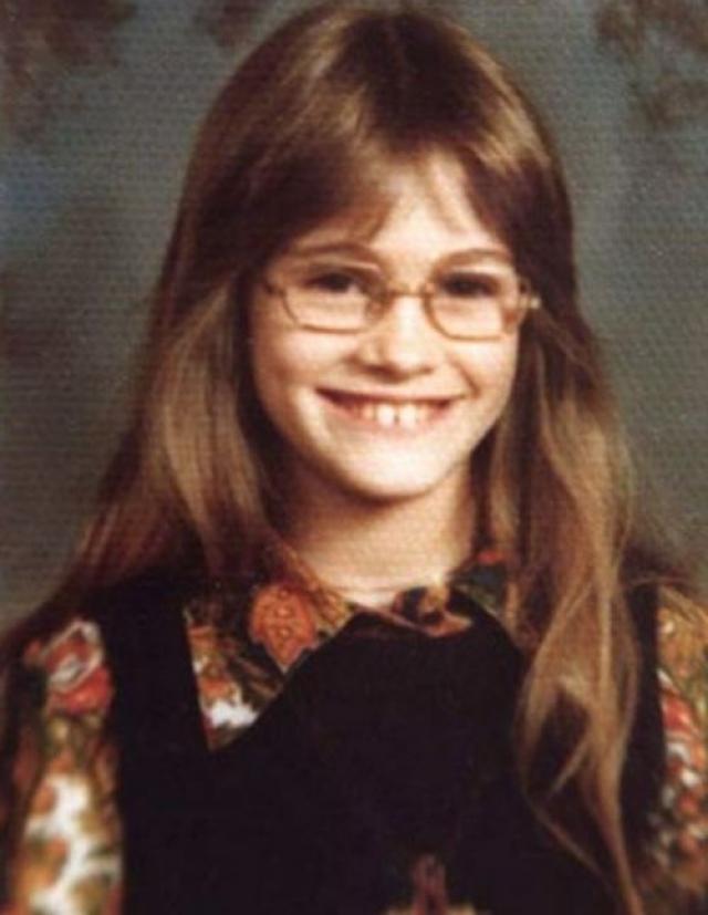 Джулия Робертс. В детстве оригинальная внешность актрисы, ставшая позднее ее изюминкой, вовсе не играла ей на руку.