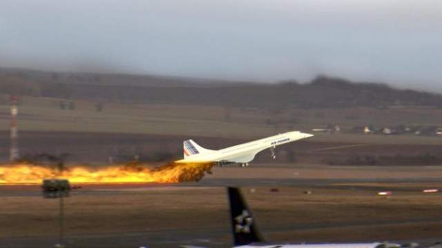 25 июля 2000 года. Сверхзвуковой пассажирский авиалайнер Aerospatiale-BAC Concorde 101 авиакомпании Air France выполнял чартерный рейс AFR 4590 по маршруту Париж-Нью-Йорк, но во время разгона по ВПП у самолета загорелся двигатель.
