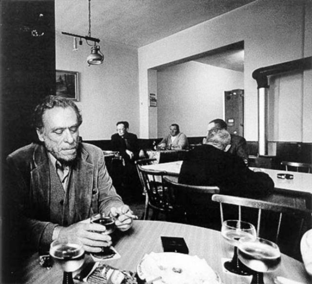 Чарльз Буковски. Буковски открыл для себя алкоголь еще в детстве.